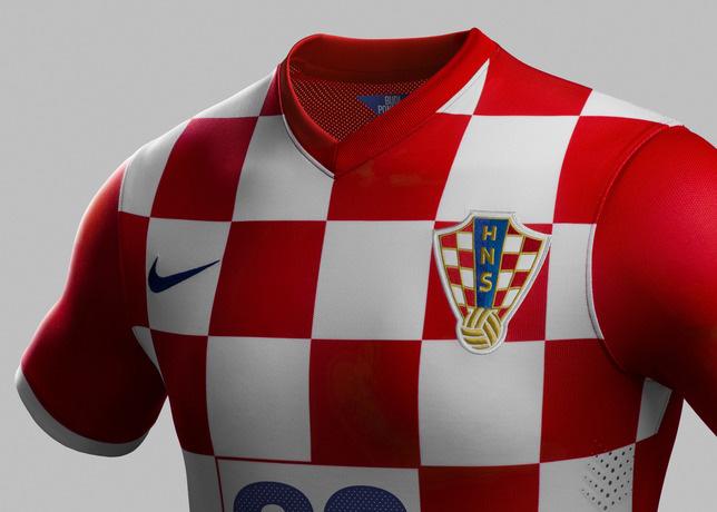 7807afd42 Por que o uniforme da Croácia é quadriculada  – Os porquês do ...